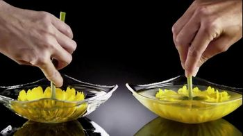 Olay Ultra Moisture Body Wash TV Spot, 'Elevate Moisture, Enhance Skin' - Thumbnail 5