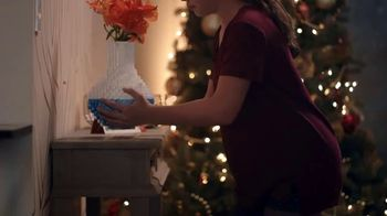 Toys R Us TV Spot, 'The Naughty List Is Not an Option: LEGO Vase' - Thumbnail 5