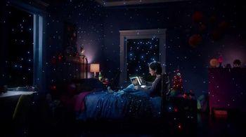 Microsoft TV Spot, '3D Holiday' Song by Rachel Platten - Thumbnail 8