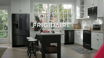 Frigidaire TV Spot, 'Sarah's Super-ific Birthday Party' - Thumbnail 9