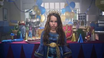 Frigidaire TV Spot, 'Sarah's Super-ific Birthday Party' - Thumbnail 4