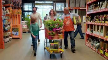 The Home Depot Spring Black Friday TV Spot, 'Mulch & Garden Soil' - Thumbnail 2