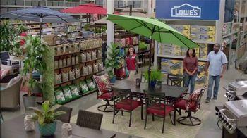 Lowe's Spring Black Friday TV Spot, 'Good Backyard: Pint Annuals' - Thumbnail 6