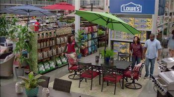 Lowe's Spring Black Friday TV Spot, 'Good Backyard: Pint Annuals' - Thumbnail 7