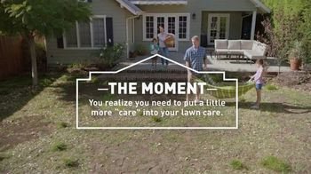 Lowe's Spring Black Friday TV Spot, 'Lawn Care Moment: Miracle-Gro' - Thumbnail 5