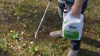 Lowe's Spring Black Friday TV Spot, 'Lawn Care Moment: Miracle-Gro' - Thumbnail 8
