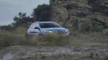 2019 Jeep Cherokee TV Spot, 'Dial' Song by The Score [T2] - Thumbnail 3