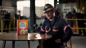 Frosted Mini-Wheats TV Spot, 'Big Food for Hugo's Big Day' - Thumbnail 4