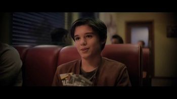 Denny's TV Spot, 'Solo: A Star Wars Story: Exclusive Trading Cards' - Thumbnail 6