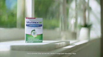 Mucinex DM TV Spot, 'Living Well: Change of Seasons' Feat. Ereka Vetrini - Thumbnail 10