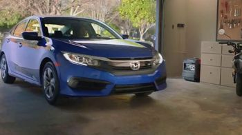 Honda Dream Garage Spring Event TV Spot, 'Garage Cleaning: 2018 HR-V' [T2] - Thumbnail 4