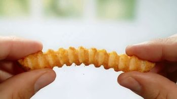 Lamb Weston Grown in Idaho Super Crispy Crinkle Cut Fries TV Spot, 'Crispy and Tender' - Thumbnail 5
