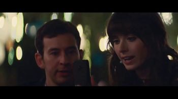 Verizon TV Spot, 'Surprise: Trade-In' Featuring Thomas Middleditch - Thumbnail 2