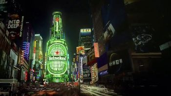 Heineken TV Spot, 'Neon City' - Thumbnail 5