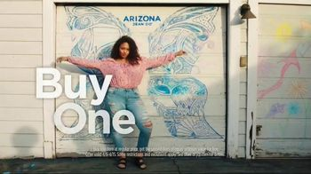 JCPenney TV Spot, 'Arizona Spring Looks BOGO' - Thumbnail 2