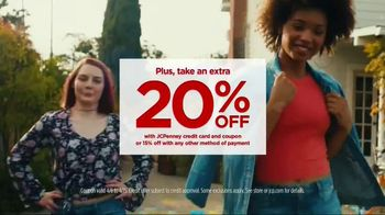 JCPenney TV Spot, 'Arizona Spring Looks BOGO' - Thumbnail 5