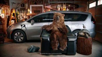 Chrysler Spring Sales Event TV Spot, 'Chair' [T2] - Thumbnail 4