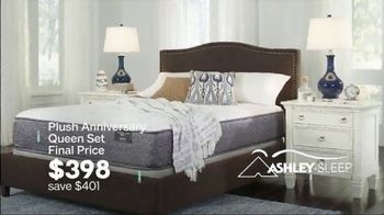 Ashley HomeStore Extended Anniversary Sale TV Spot, 'Don't Miss the Party' - Thumbnail 5
