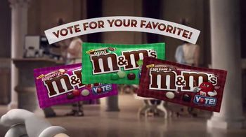 Crunchy M&M's TV Spot, 'Pampered' - Thumbnail 10