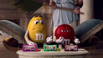 Crunchy M&M's TV Spot, 'Pampered' - Thumbnail 6