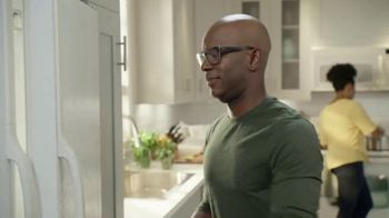 Lowe's Spring Black Friday TV Spot, 'Not Enough Fridge: $500 Off' - Thumbnail 1