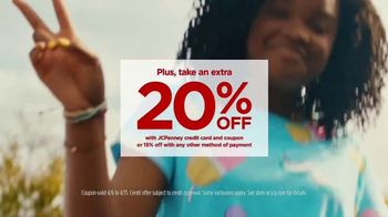 JCPenney TV Spot, 'Your Spring Style' Song by Redbone - Thumbnail 5