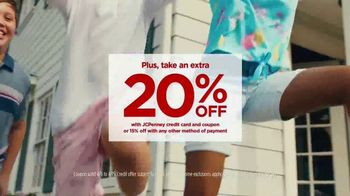 JCPenney TV Spot, 'Your Spring Style' Song by Redbone - Thumbnail 6