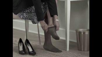 PedEgg Easy Curve TV Spot, 'Beautiful Feet' - Thumbnail 1