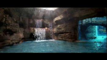 Atlantis Bahamas TV Spot, 'Endless Flow: Summer Savings' - Thumbnail 2