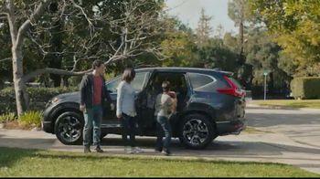 2017 Honda CR-V TV Spot, 'Best Friends' [T1] - Thumbnail 8
