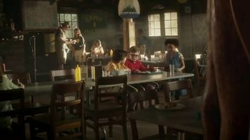 Hershey's Cookie Layer Crunch TV Spot, 'Kids Table' - Thumbnail 1