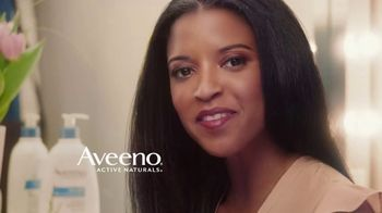 Aveeno Skin Relief TV Spot, 'Softens & Smooths' Ft. Renee Elise Goldsberry - Thumbnail 7
