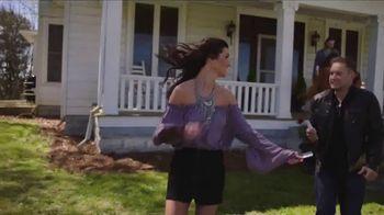 CMT Music Awards Sweepstakes TV Spot, 'Firestone: Fly Away Trip' - Thumbnail 1