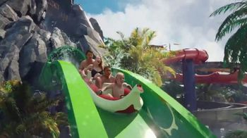 Universal Orlando Resort TV Spot, 'Volcano Bay: bienvenidos' [Spanish] - Thumbnail 2