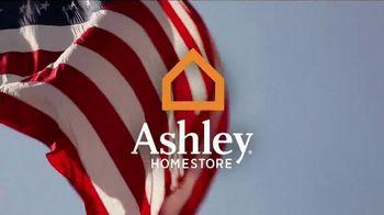 Ashley HomeStore Memorial Day Mattress Event TV Spot, 'Gift Card' - Thumbnail 1
