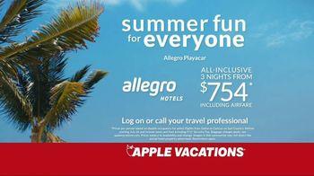 Apple Vacations TV Spot, 'The Johnsons: Summer Fun' - Thumbnail 8