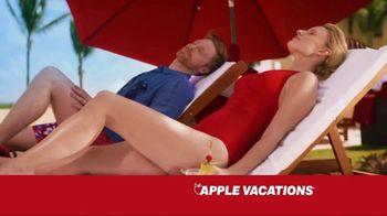 Apple Vacations TV Spot, 'The Johnsons: Summer Fun' - Thumbnail 3