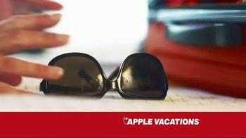 Apple Vacations TV Spot, 'The Johnsons: Summer Fun' - Thumbnail 6