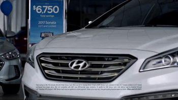 Hyundai Better Than Ever Sales Event TV Spot, 'Phones' [T1] - Thumbnail 2