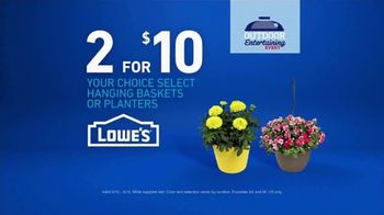 Lowe's Outdoor Entertaining Event TV Spot, 'Hanging Baskets or Planters' - Thumbnail 9