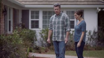 Lowe's Outdoor Entertaining Event TV Spot, 'Hanging Baskets or Planters' - Thumbnail 3
