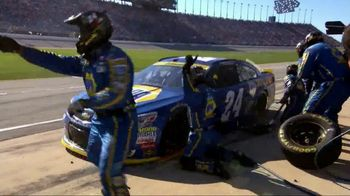 Hooters When Chase Wins You Win TV Spot, 'Race Day' Featuring Chase Elliott - Thumbnail 3