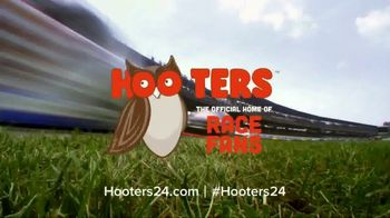 Hooters When Chase Wins You Win TV Spot, 'Race Day' Featuring Chase Elliott - Thumbnail 7