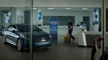 Hyundai Better Than Ever Sales Event TV Spot, 'Phones: 2017 Sonata' [T2] - Thumbnail 8