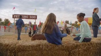 Lunchables With 100% Juice TV Spot, 'Petting Zoo' - Thumbnail 1