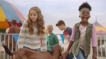 Lunchables With 100% Juice TV Spot, 'Petting Zoo' - Thumbnail 3