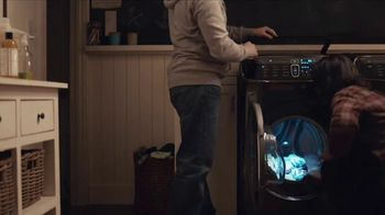 Samsung FlexWash Washing Machine TV Spot, 'Another Day' Song by Lady Gaga - Thumbnail 9