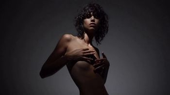 Tom Ford Black Orchid TV Spot, 'A Force of Nature' - Thumbnail 4