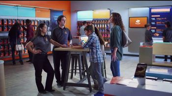 Boost Mobile Best Family Plan TV Spot, 'Es fácil hacer el switch' [Spanish]