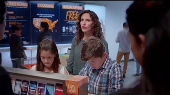 Boost Mobile Best Family Plan TV Spot, 'Es fácil hacer el switch' [Spanish] - Thumbnail 2